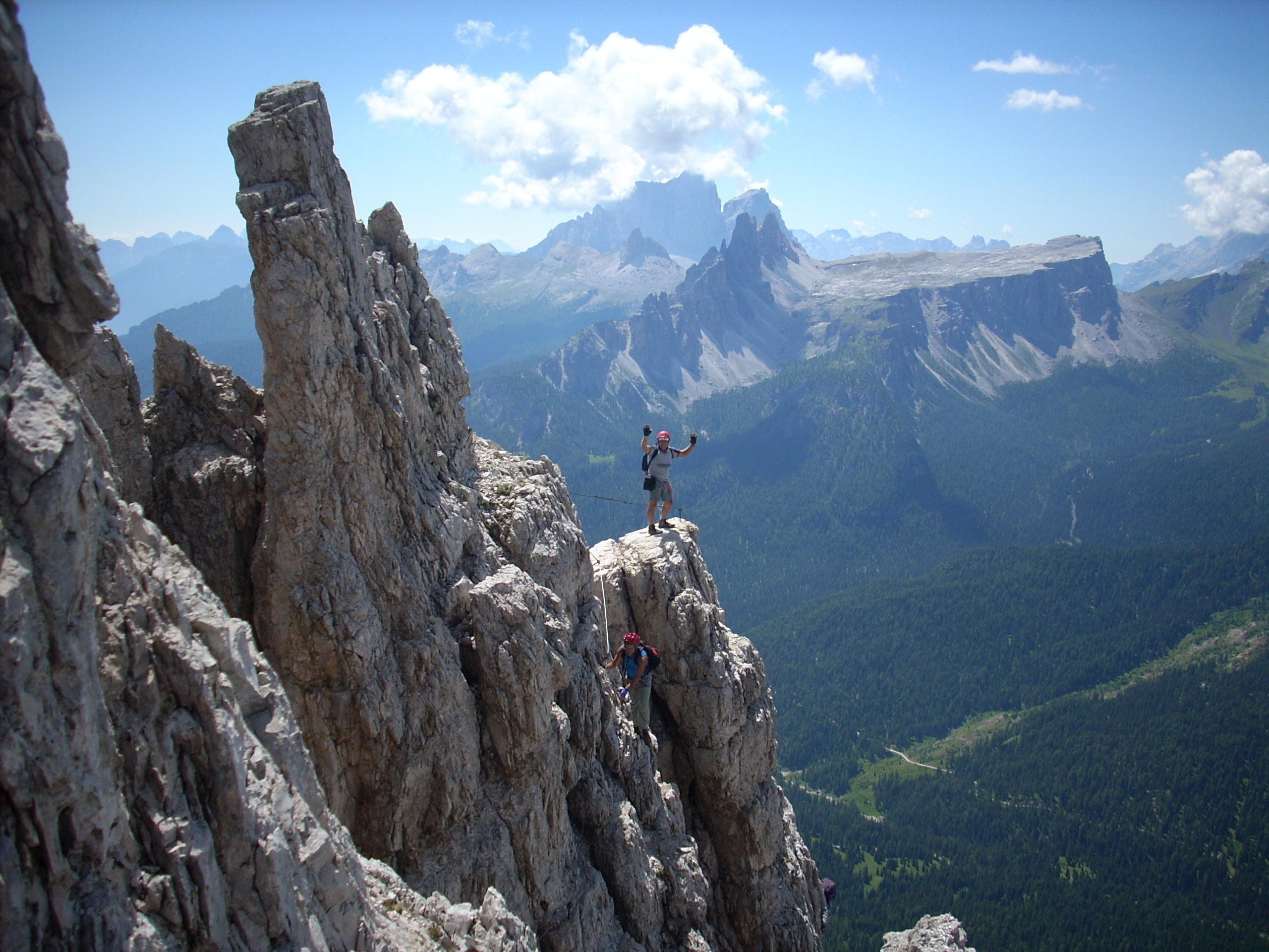 ferrate tours mountain climbing and hiking in the dolomite
